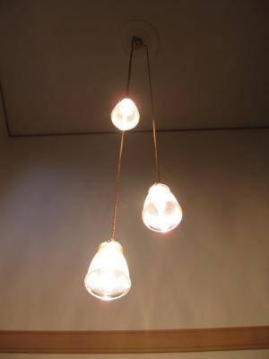 ペンダントライト 3灯タイプ pb621-3+208clr を玄関の吹き抜け用の照明として