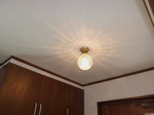 天井に映る影が美しい玄関のシーリングライトpb393+106esat
