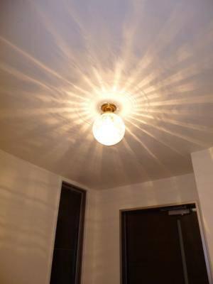 天井灯-108esat+pb394-を玄関照明として使用した実例