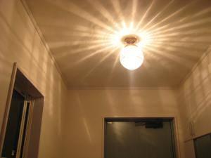 玄関に天井に模様が広がる人気の天井灯照明-108esat+pb394-を設置した実例写真