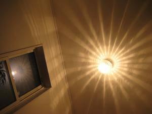 玄関の照明として、アンティーク風の天井灯108esat+pb394