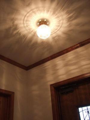 玄関に使用されたアンティーク調のシーリングライトpb394+355ecog