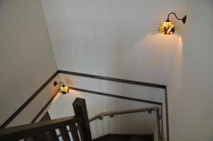 ステンドグラス-階段の照明 s-s22-wb811z+572tif-01.jpg