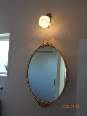 洗面鏡とブラケットライト w-m31-wf323+237sat-03.jpg