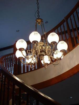 階段のシャンデリア(吹き抜け)chandelier-kaidan-pb1166-8-28.JPG
