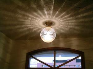 天井に広がる光の模様が綺麗な玄関照明-天井灯pb394+108ecog