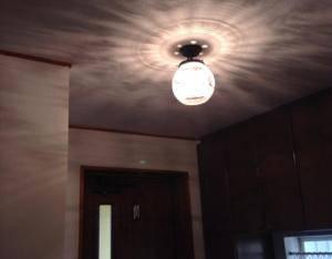 玄関ホールの照明として、PB394/Z+355E/COGの天井灯を使用