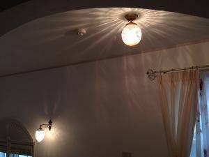 階段ホールの照明でアンティーク調の天井灯PB393+106E/COGの施工例