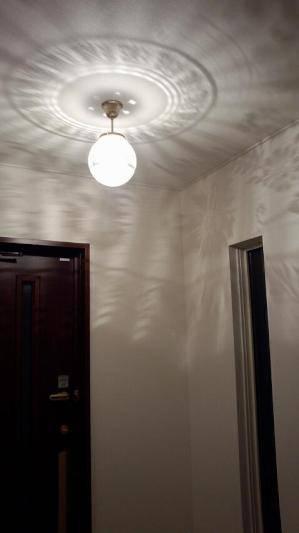 天井に広がる模様が美しいシーリングライト108esat-pb394hを玄関の照明として