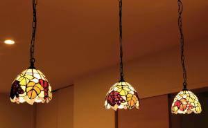 ティファニーガラスのペンダントライト572/TIF-ZHJ7のダイニング照明施工例