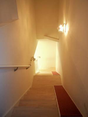アンティーク風のかわいいブラケットライトWF340/2+421/CUTを階段照明として