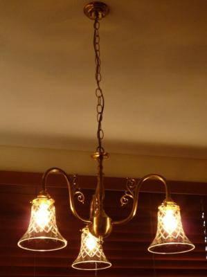 ダイニングルームのシャンデリア照明-pb441-3+421cut