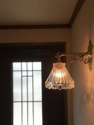 玄関の壁の照明にクラシックでアンティークなブラケットライトWB251+477/CLR