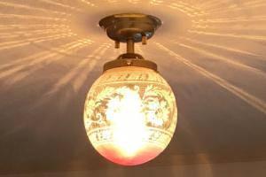 玄関照明の施工例-pb393+106eredの天井灯