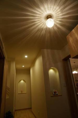 玄関ホールの照明としてアンティーク調の天井灯106ecog+pb393