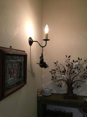 玄関ホールの照明のブラケットライトwb801zの施工例