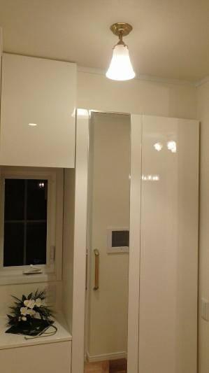 クラシックな雰囲気の天井灯pb391+822satを洗面所の照明に