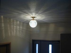 天井灯pb394+108esatを玄関の天井に